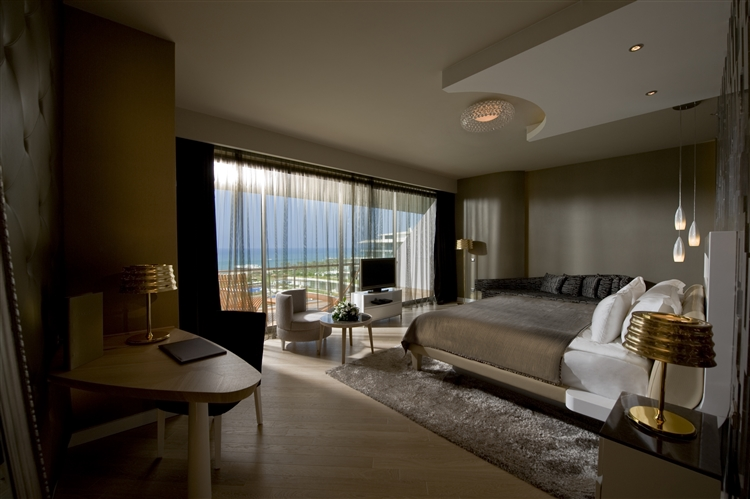 Maxx-Royal-Suite-Sea-View-01-low-res
